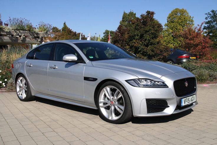 Jaguar #XF 2016 seitlich silber *Verbrauchs- und Emissionswerte F-TYPE, XE, XF, XJ, XK, inklusive R-Modelle: Kraftstoffverbrauch im kombinierten Testzyklus (NEFZ): 12,3 – 3,8 l/100km. CO2-Emissionen im kombinierten Testzyklus: 297 – 99 g/km.