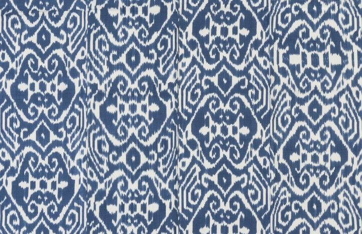 Outdoor fabrics from Madeline Weinrib ; Gardenista (dining chair cushions)