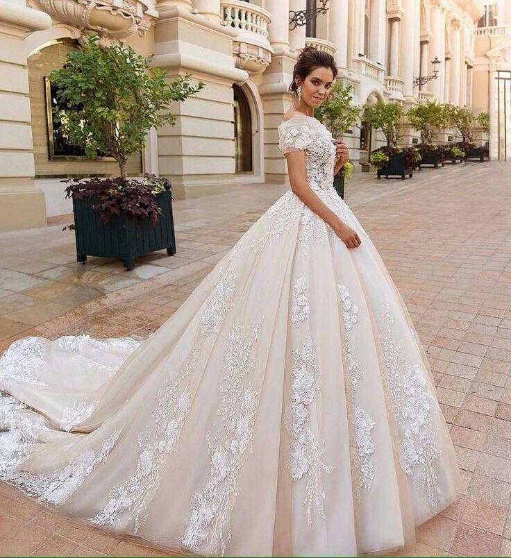 первый салон свадебных платьев с картинками единственный как считалось