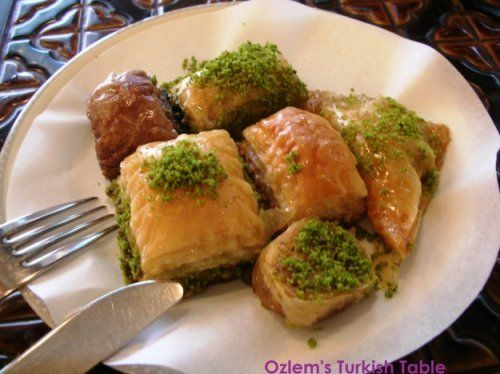 Baklava with walnuts and pistachios | Recipes: Turkish | Pinterest