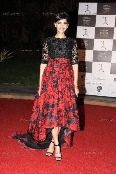 Sonam Kapoor: Ethnic Enchantress at L'Oreal Femina Women Awards 2013 http://www.xplorfashion.com/p/hollywood.html