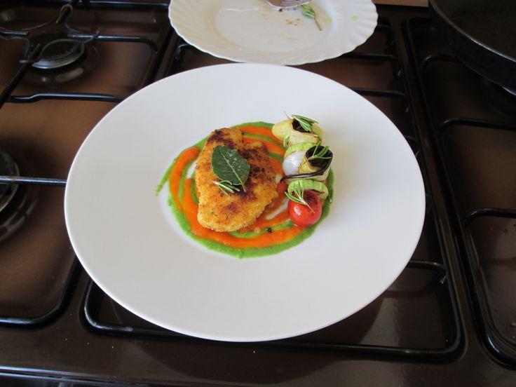 JHS  /  Pollo verdure e  peperoni con lattuga  salse  Gino D'Aquino