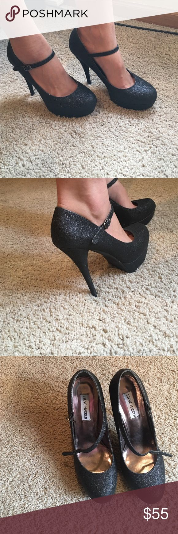 Steve Madden Black Glitter High heels Steve Madden 5in beautiful glitter high heels! Only used once with strap across the top foot! Fits to size! Steve Madden Shoes Heels