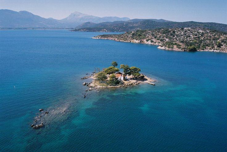 GREECE CHANNEL |Tiny #Daskalio Island off #Poros #Greece