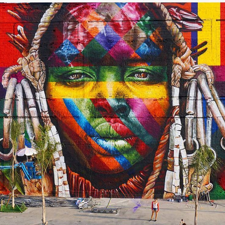"""Eduardo Kobra, """"Todos Somos Um"""" with native and indigenous people from 5 continents, for Olympics 2016 in Rio de Janeiro, Brazil, 2016, detail"""
