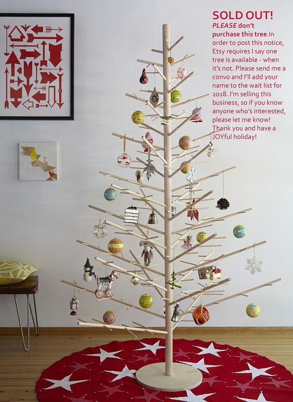 The reusable ReTree Sapling is an attention-getting happy magnet! Its clean, open design allows you to see all your Christmas ornaments at the same time. And with so many branches, there's plenty of room for hanging lights to make your holiday night sparkly and beautiful. At 6 feet tall and