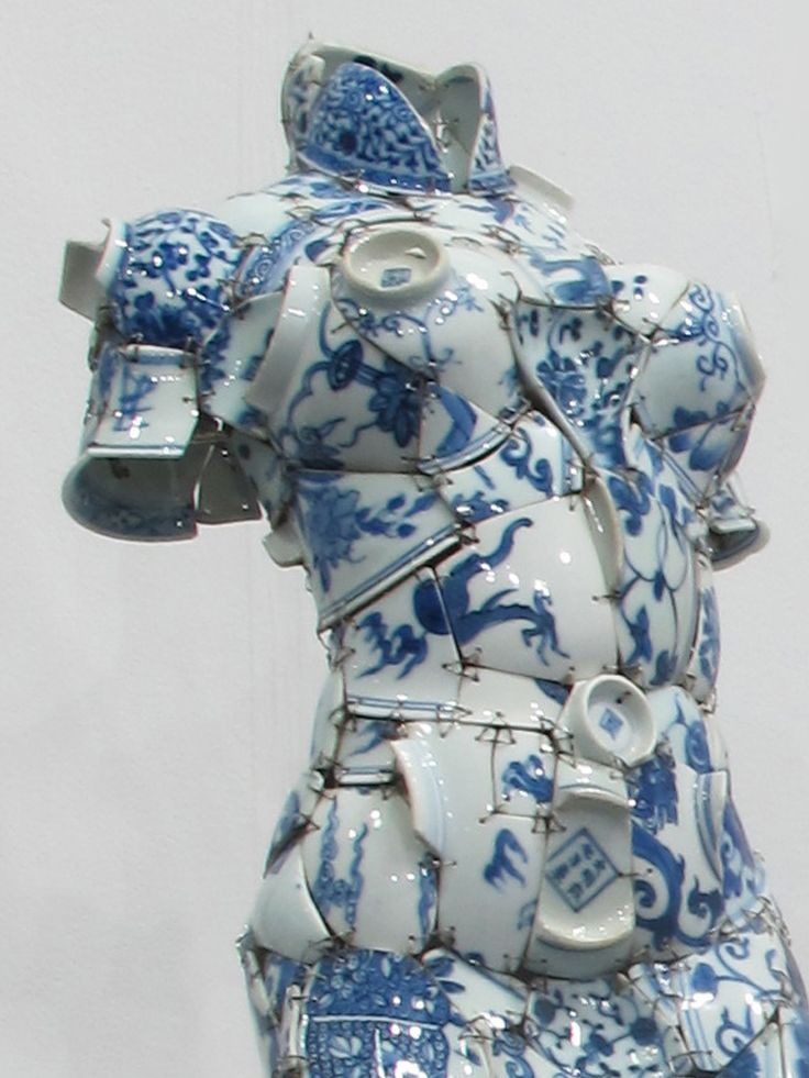 Chinese artist Li Xiaofeng uses shards of broken porcelain to create stunning costumes. Li Xiaofeng, Whirling, 2012, Qing Period shards.Photo: Courtesy of Red Gate Gallery and the artist