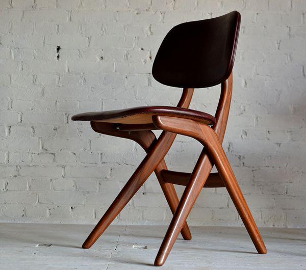 Louis van Teeffelen; Teak and Leather Side Chair for Webe, 1960s.