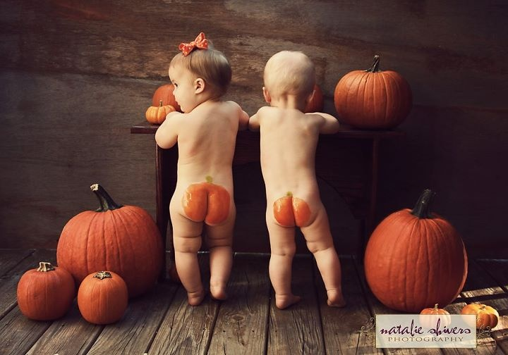 Pumpkin butt... Too cute!