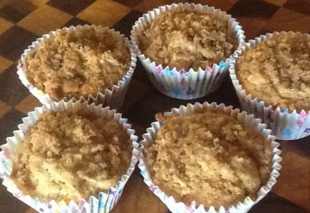 Quick apple crumble cupcakes - Real Recipes from Mums