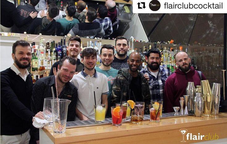Enhorabuena! #Repost @flairclubcocktail (@get_repost)   Despedimos la semana con el equipazo del Curso de Coctelería de Moderna y Americana.  Clase Cócteles de técnica directa   http://www.flairclub.es/ #CursoCoctelería #Academiadecoctelería #FlairClub #flairclubformación #coctel #cocktails #cocteles #cocktailporn #cocktailbar #cocktails #cocktailsofinstagram #cocktailart #barman #bartender #bartenders #bartenderslife #bartenderschool #bartenderlife #bartenderlife #bartenderlove