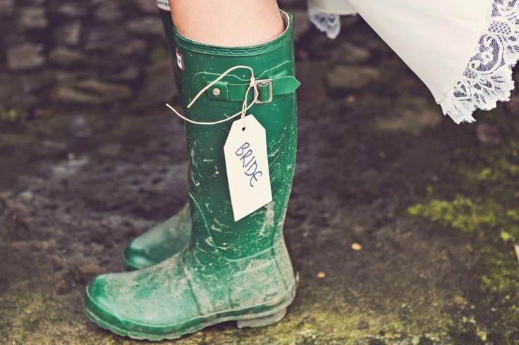 Be inspired with our VM Manager Charlotte's recent English country wedding.