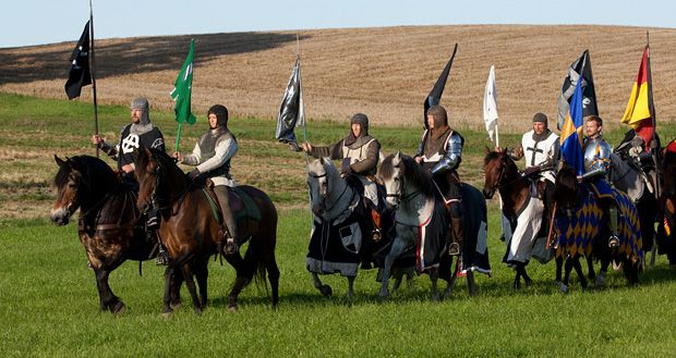 The day of the knights, 15-16 juni, Glimmingehus, Sweden. Varje sommar bjuds det till riddarnas dag på Glimmingehus på Österlen. Till medeltida musik och underhållning kan du prova rustningar, skåda tornerspel eller äta medeltida mat.