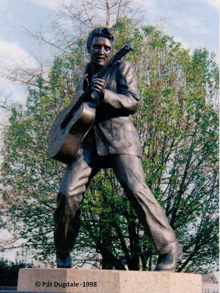 Elvis Presley sculpture, Graceland - Memphis, TN