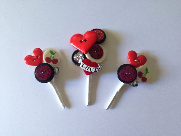 Rockabilly buttonholes for the boys