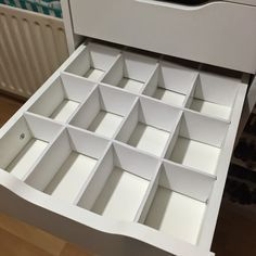 DIY Foamboard Drawer dividers for Ikea Alex Drawers. http://www.totalmakeupaddict.com/2015/02/makeup-storage-inspiration-1-drawer.html                                                                                                                                                                                 More