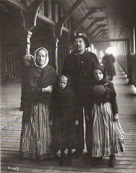 The Yanaluk family, a Slavic immigrant family from Germany - photographed by William James Topley at Quebec City in 1911
