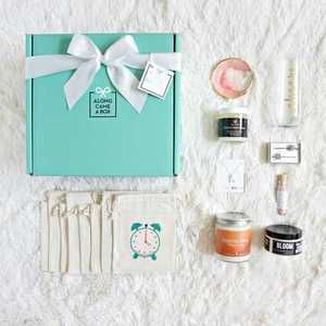 "Share+the+wedding+glee+by+sending+a+day+of+presents+to+your+bridesmaids+via+""The+Bridesmaid+Box"".+Select+your+card:+""Will+you+be+my+Bridesmaid?""+or+""Thank+you+for+being+my+Bridesmaid"".+A+beautiful+Box+comes+labeled+with+""Open+at+9+a.m.!""+Bridesmaid+will+open+their+drawstring+bag+to+reveal+a+gift+every+hour,+from+9+to+4+p.m.+Every+gift+is+handmade+by+an+American+Small+Business.+Includes:+Champagne+Glass,+Ring+Dish,+Body+Cream,+Jeweled+Hair+Pins,+Face+Mask,+"