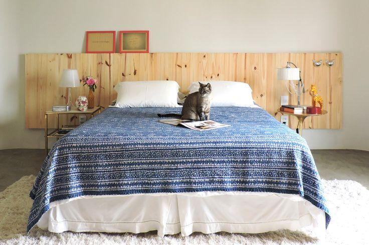 Cabeceira de pinus - Obra limpa na decoração - por Erika Karpuk - para Revista OcaPop (1a edição)