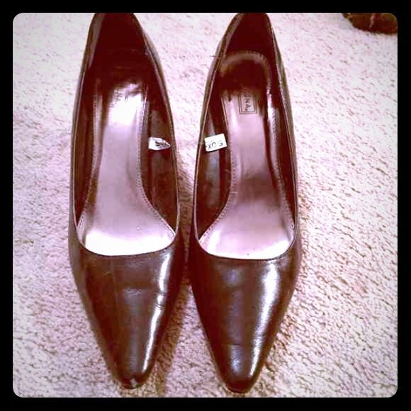 Giant Sale HP❤️❤️Medina black leather heels Marina black leather heels with a sheen, worn once to party 2 in heels, small scuff at one toe see pic otherwise they look brand new HOST PICK Weekend Wardrobe Jan 10th 2016 Merona Shoes Heels
