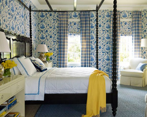 Traditional Style Bedroom With Cornflower Blue And White Wallpaper Complimentary Color Lemon Yellow Decorative Accessories