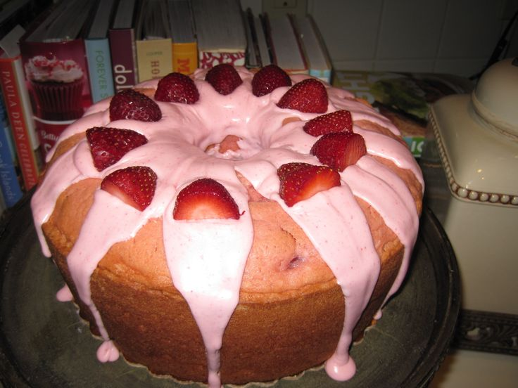 Strawberry Pound Cake w/Strawb. Cr. Cheese Drizzle