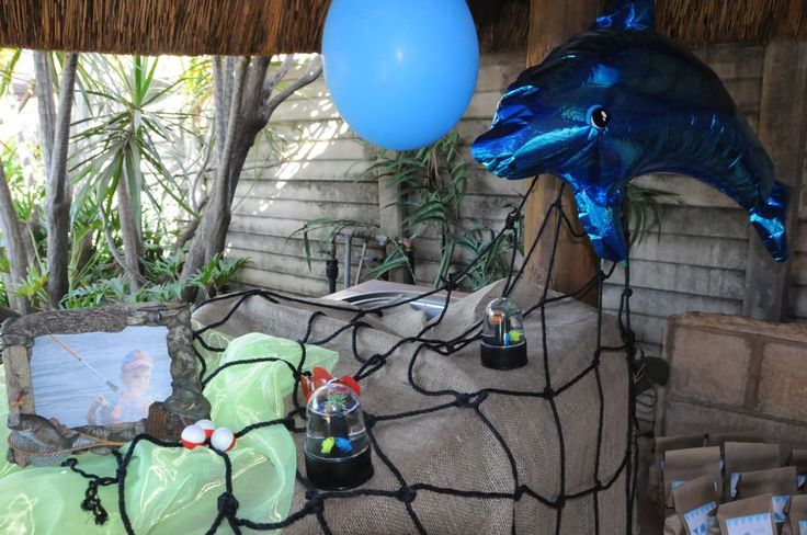 Fish theme party - All decor supplied by http://www.partyheroes.co.za