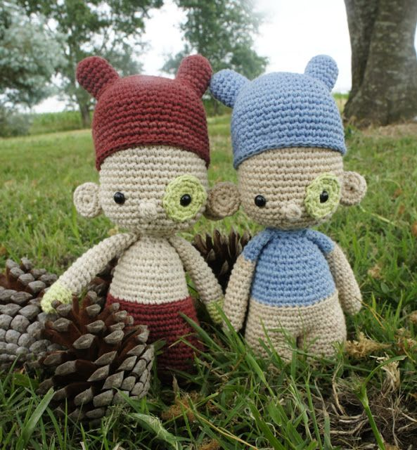 { Crochet dolls, by Amour Fou }
