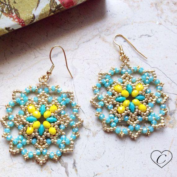 Orecchini Honey giallo/azzurro di CheriFashionHandmade su Etsy #earrings #beaded #beads #cherihandmade