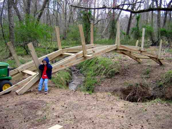 229 best charpente images on pinterest woodworking for Timber frame bridge