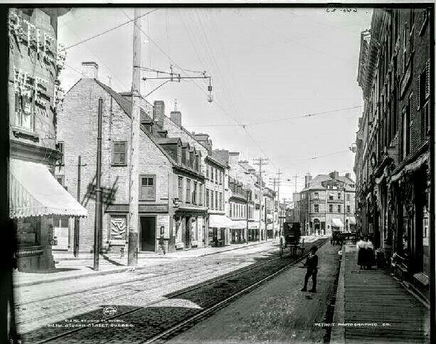 Vue du Photographe Livernois au coin du 1200 rue St-Jean et de la rue Couillard (Aujourd'hui Pub St-Patrick)