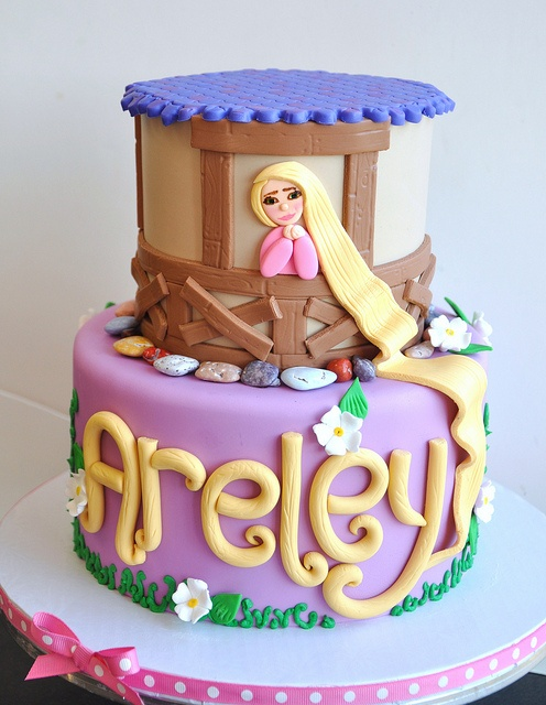 Xenias Cake Designs : Rapunzel Cake @carrie olmstead...didnot ally want a ...