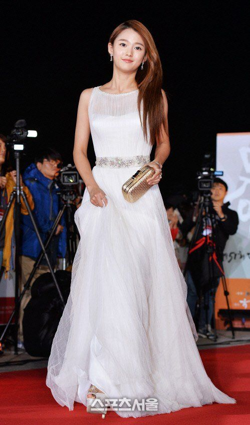 [Photos] Actresses on the Red Carpet at the 51st Annual Grand Bell Awards (Daejong Film Awards) 2014 @ HanCinema :: The Korean Movie and Drama Database