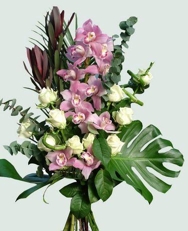 10 szál rózsa 1 ág orchideával, hosszúcsokorban