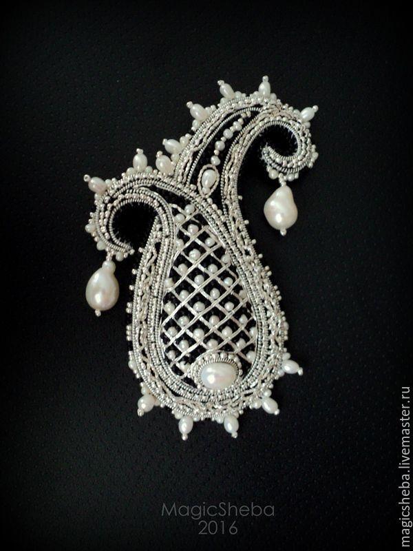 """Купить Брошь Пейсли """"Принцесса"""", вышивка серебром - серебряный, серебряная брошь, брошь, пейсли"""