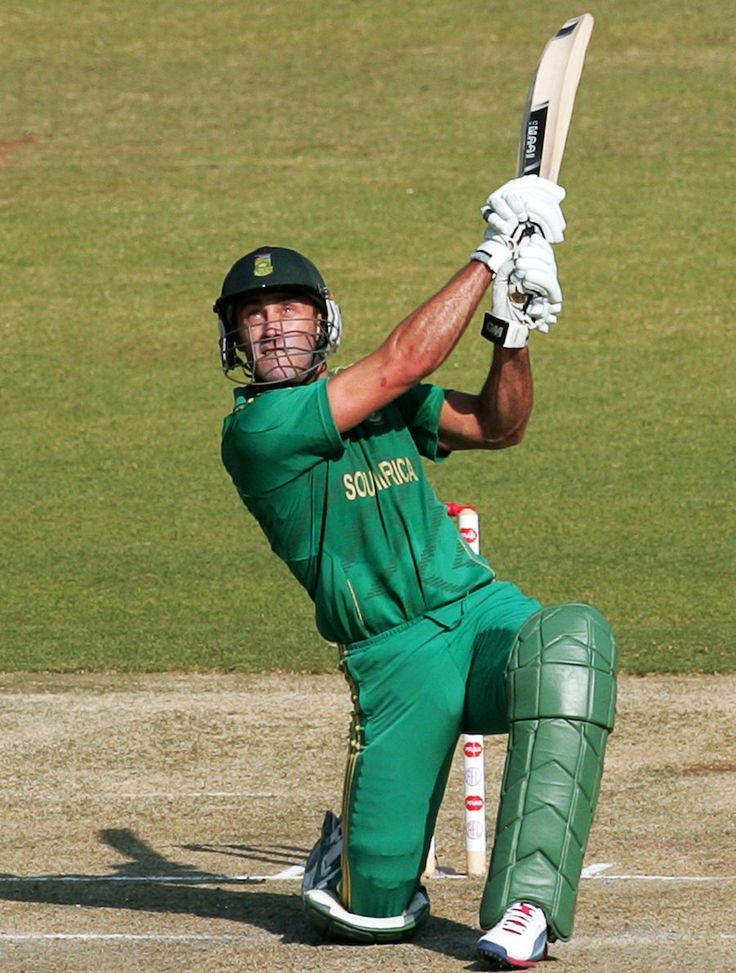 Faf du Plessis hits down the ground during his fifty, Zimbabwe v South Africa, T20 tri-series final, Harare, June 24, 2012