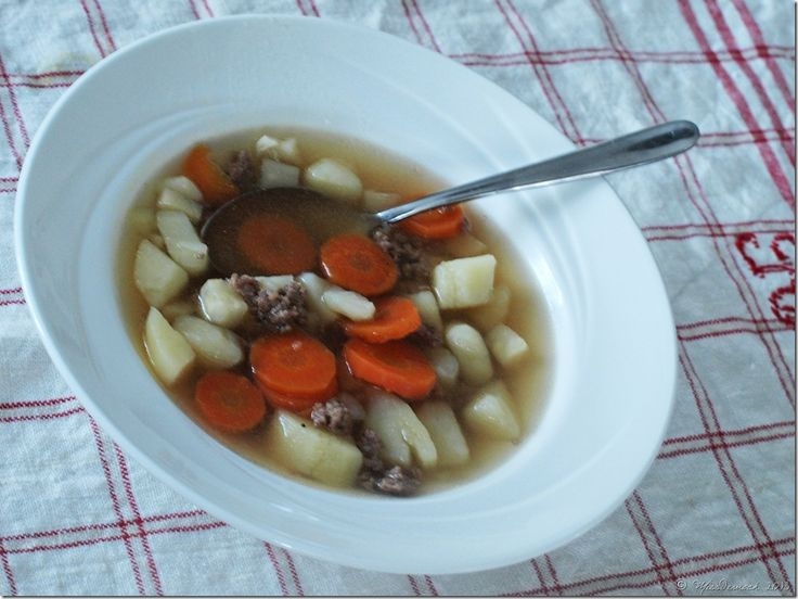 Snabb soppa som värmer i kylan {Köttfärssoppa}