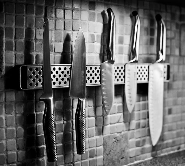 Basic knives that everyone should have in their kitchen!