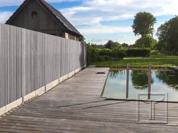 Houten tuinscherm 40.20C na vergrijzing. THERMO AYOUS OF( IROKO)/ verduurzaamde es voor zitvlakken? of beter padouk?mooiste horizontaal afsluiting tuin en hek