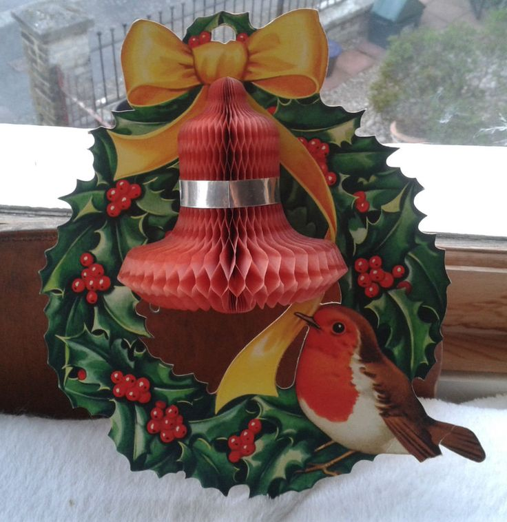 Vintage Christmas Honeycomb Paper Decoration **Robin