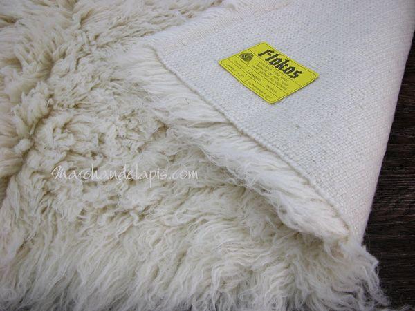 Achetez ce Flokati 240cmx340cm en pure laine vierge, tapis de tradition Grecque de grande qualité. Marchandetapis.com, votre boutique en ligne spécialiste du tapis de qualité pour tous vos besoins.