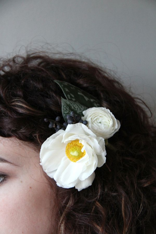 Monochrome natural hair adornment