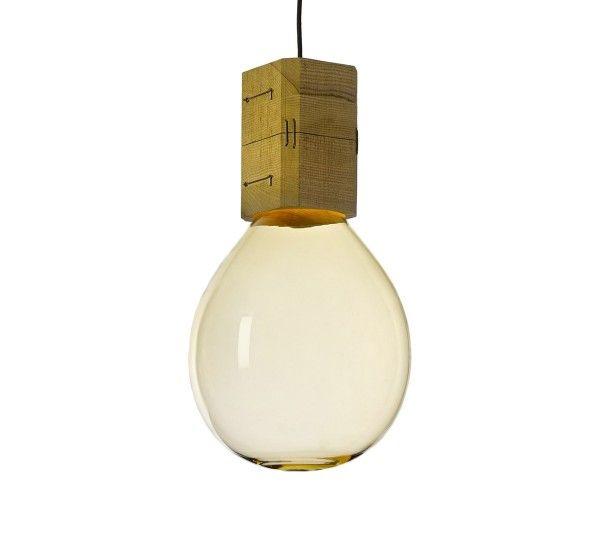 Moulds è una lampada a sospensione ideata daJan Plecháč & Henry Wielgus per Lasvit, realizzate in vetro soffiato e faggio. Mouldsè una collezione di lampade a sospensione, il loro design è incentrato sull'utilizzo delle tradizionali tecniche artigianali dei vetrai cechi. Le varie dimensioni con forme esagerate conbinate con la tecnologia LED crea un effetto visivo suggestivo e particolare, dando l'impressione che il calore e l'energia del forno dei vetrai siano rimasti all'interno della…