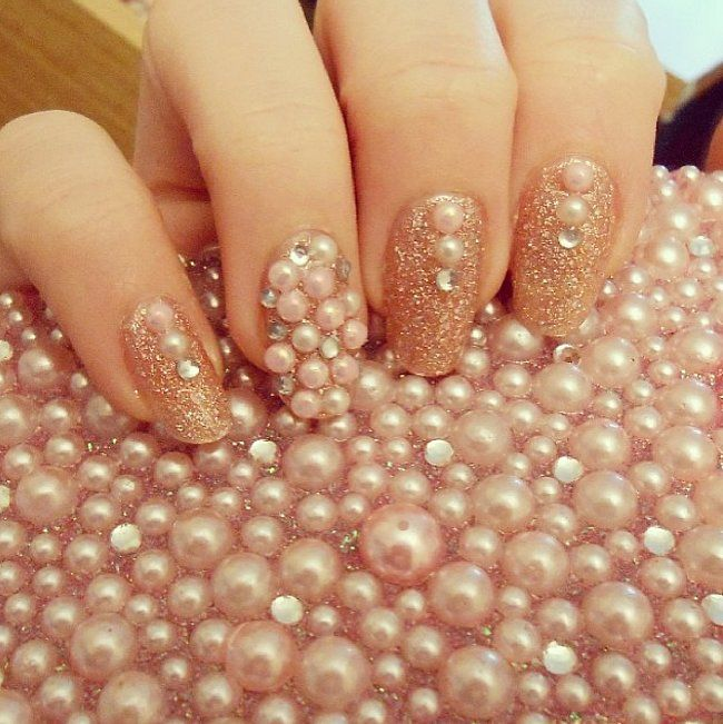 These pearly designs will give your holiday manicure a whole new meaning.
