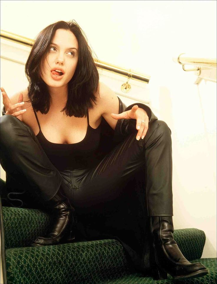 Lovely Ladies in Leather: Angelina Jolie in a leather jacket & leather pants