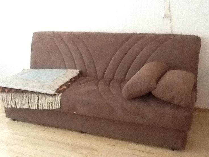Musahuoneen levitettävä sohva
