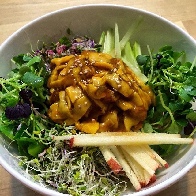 상큼한데 뭔가 진한맛..  입맛을 돋구어주는 멍게젓 비빔밥