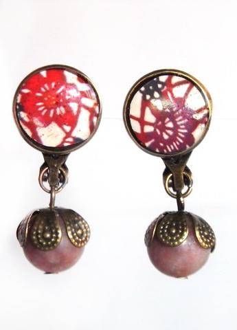 Pendiente Vintage en bronce antiguo, resina y piedras naturales (cierre clip)