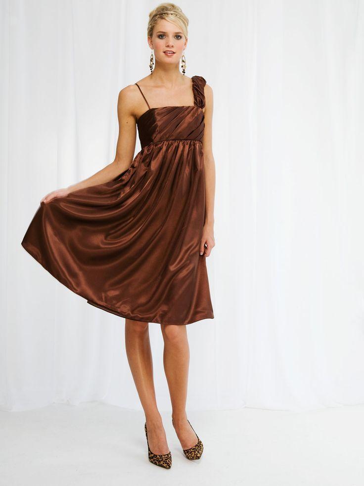 Pretty sleeveless A-line knee-length bridesmaid dress