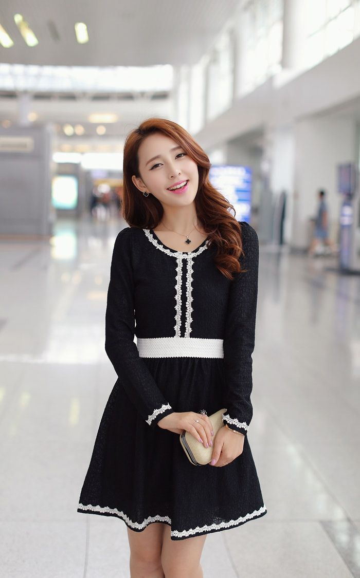 Celebrity Style Lace Panel Flare Dress Korean Fashion